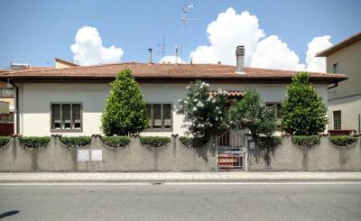 Vue ext�rieure de la location Location Appartement 71340 Rosignano Marittimo