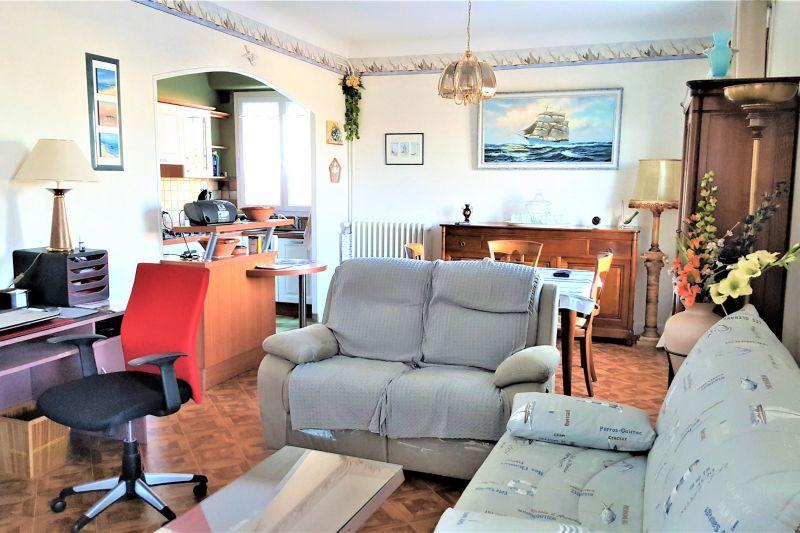 Salon Location Appartement 76122 Royan