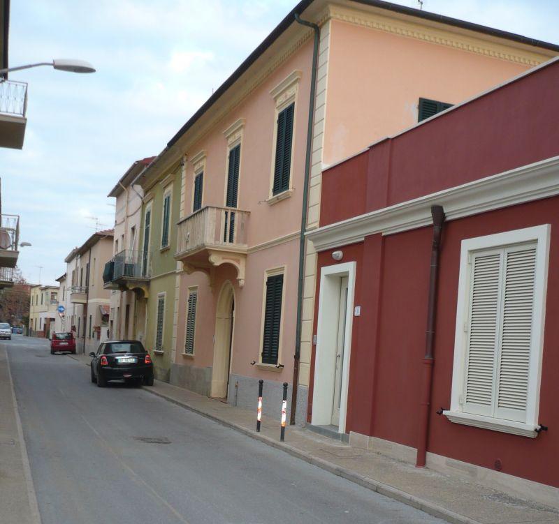 Vue extérieure de la location Location Appartement 80760 Follonica