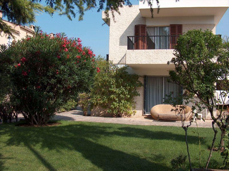 Vue extérieure de la location Location Villa 87332 Cannes