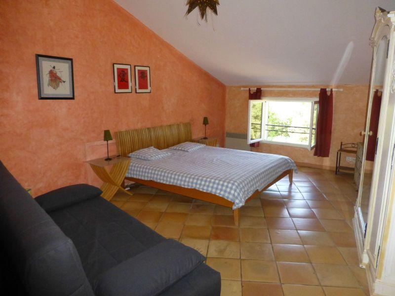 chambre 1 Location Villa 98166 Cotignac