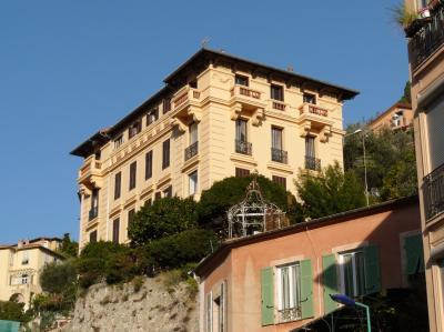Vue ext�rieure de la location Location Appartement 99643 Menton