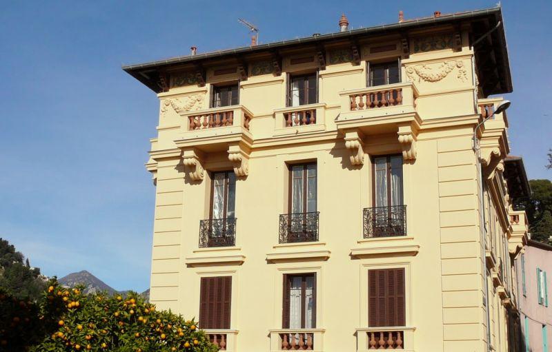 Vue extérieure de la location Location Appartement 99643 Menton