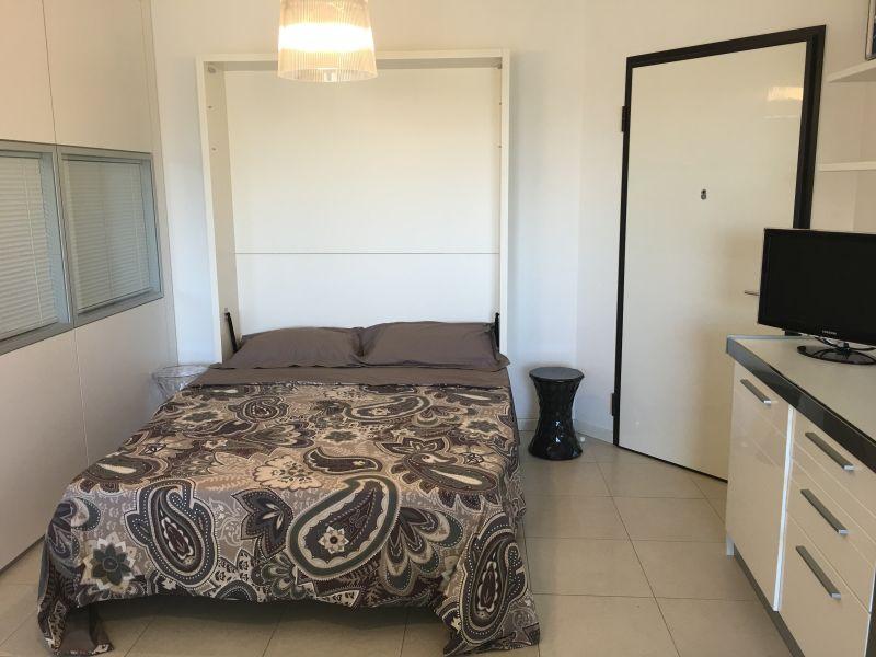 chambre Location Appartement 103099 Rimini