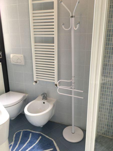 salle de bain Location Appartement 103099 Rimini
