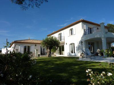 Vue extérieure de la location Location Appartement 113057 Fréjus