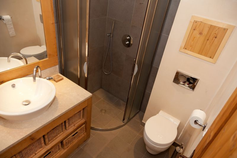 salle de bain 1 Location Chalet 113371 Alpe d'Huez