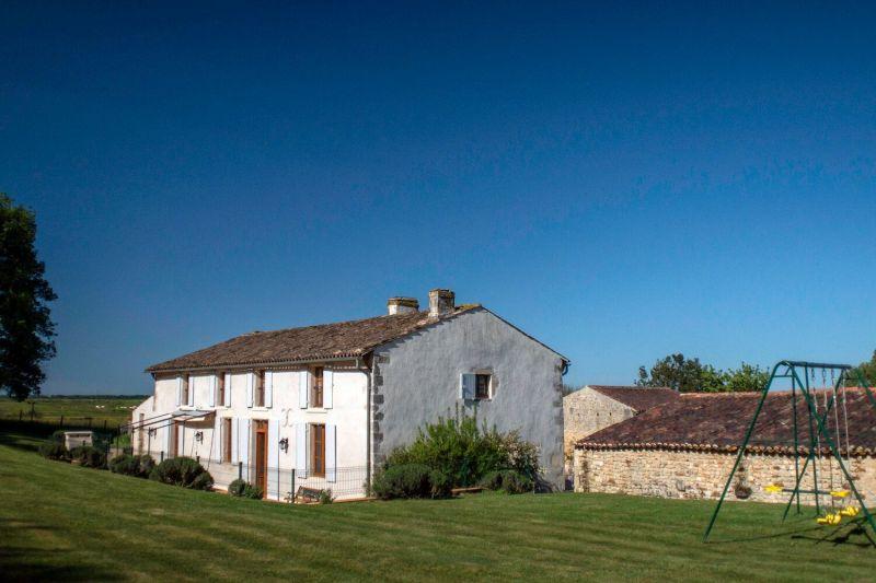 Vue extérieure de la location Location Gite 113613 Rochefort sur Mer
