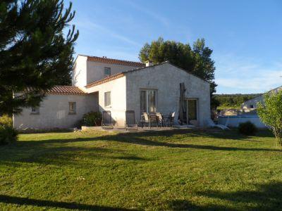 Location Villa 113618 Nîmes