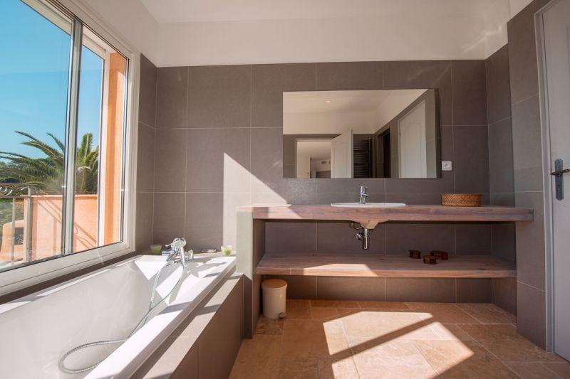 salle de bain Location Villa 114176 Sainte Maxime