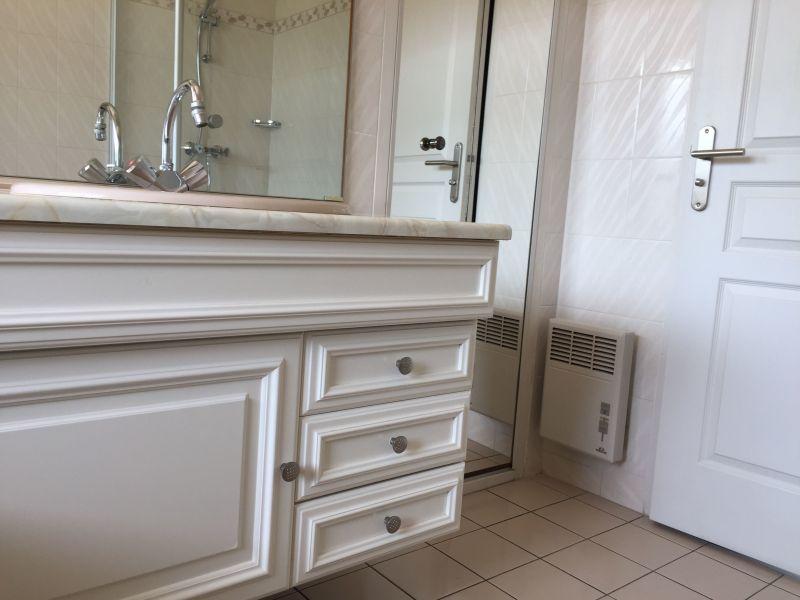 salle de bain Location Appartement 117296 La Rochelle