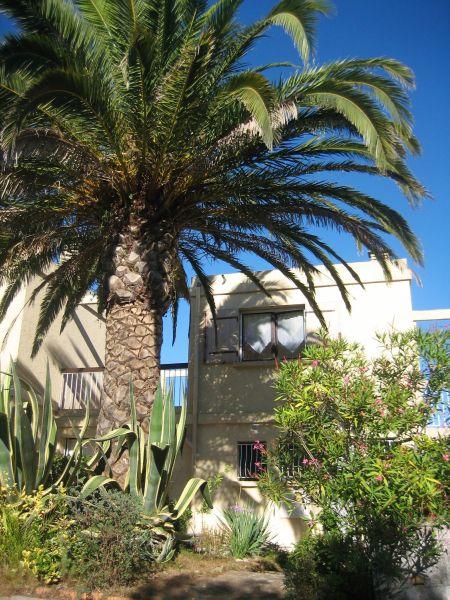 Vue extérieure de la location Location Maison 68526 Six Fours Les Plages