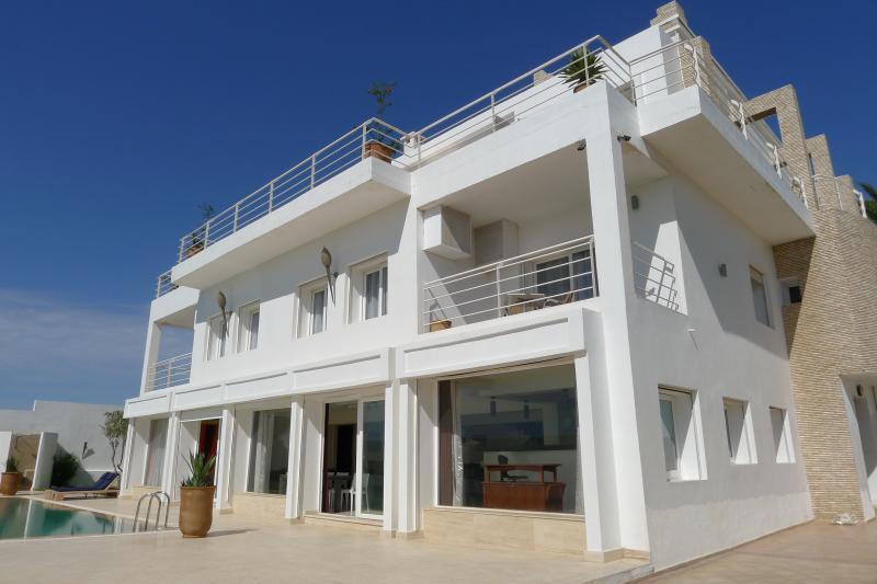 Vue extérieure de la location Location Villa 76643 Agadir