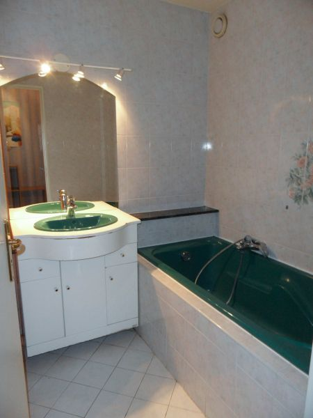 salle de bain Location Appartement 78856 Nice