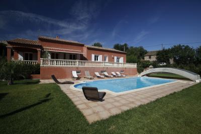 Vue extérieure de la location Location Villa 80444 Narbonne