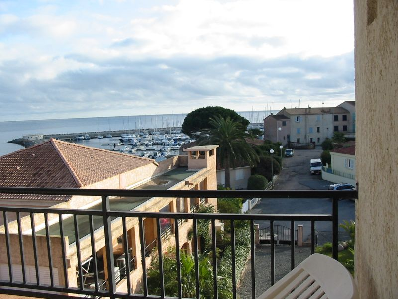 Vue de la terrasse Location Appartement 81285 Porto Vecchio