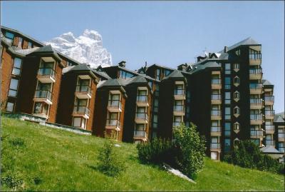Vue ext�rieure de la location Location Appartement 89092 Cervinia (Breuil)