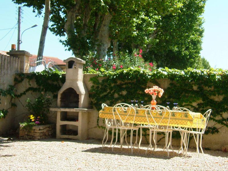 Vue extérieure de la location Location Maison 91300 Aix en Provence