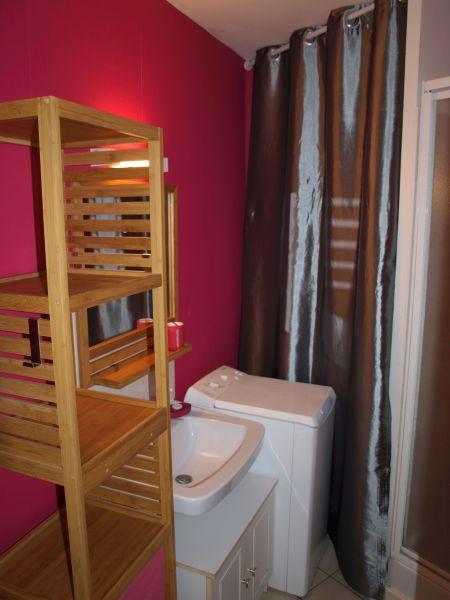 salle de bain Location Appartement 94885 Dinard