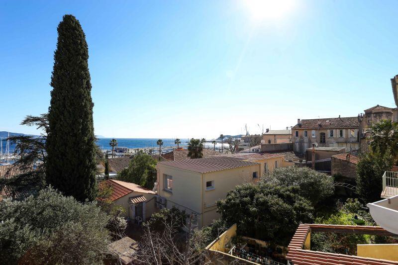 Vue de la terrasse Location Appartement 103352 La Ciotat