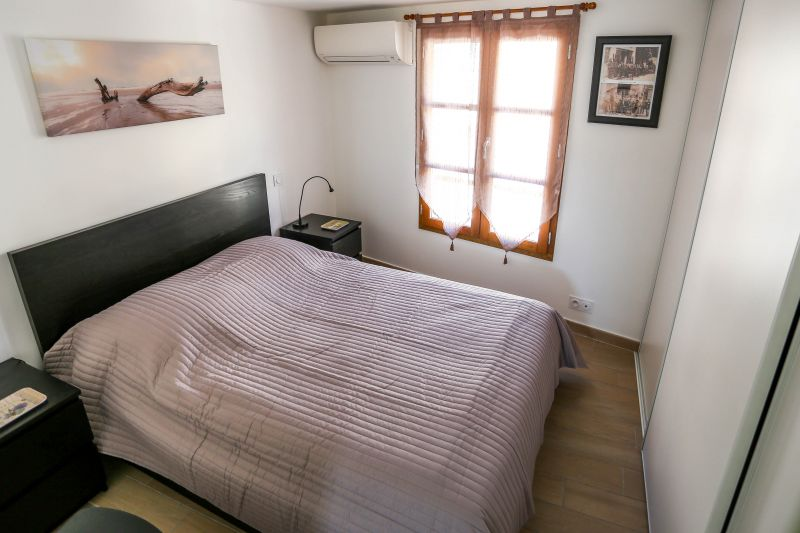 chambre 1 Location Appartement 103352 La Ciotat