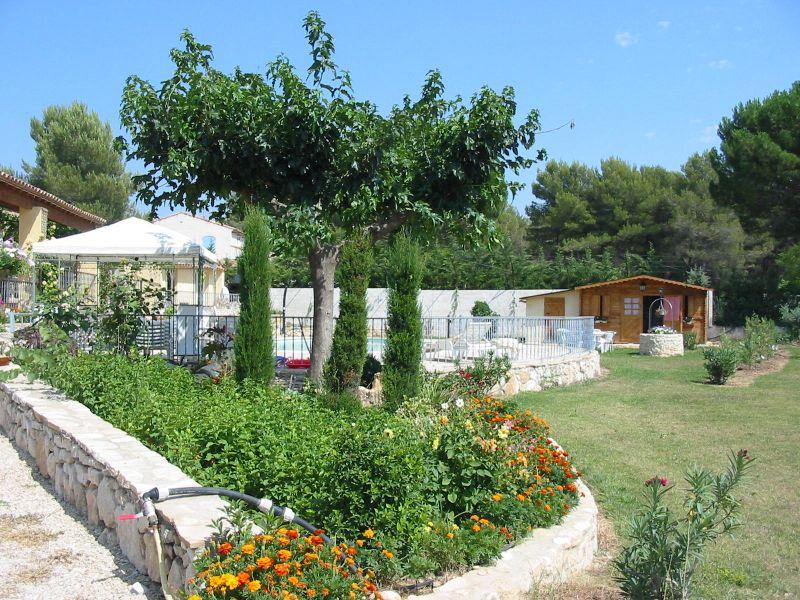 Vue extérieure de la location Location Villa 108314 Aix en Provence