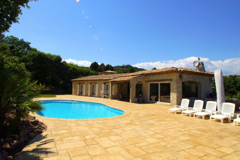 Piscine Location Villa 111352 Fréjus