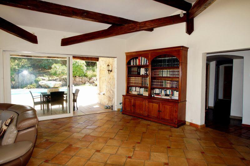 Salon Location Villa 111352 Fréjus
