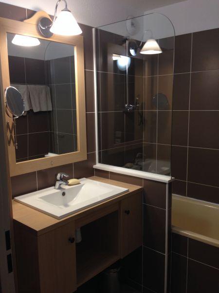 salle de bain Location Appartement 111769 Alpe d'Huez