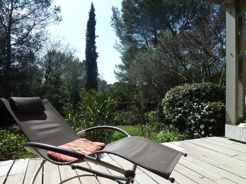 Vue de la terrasse Location Villa 112551 Nîmes