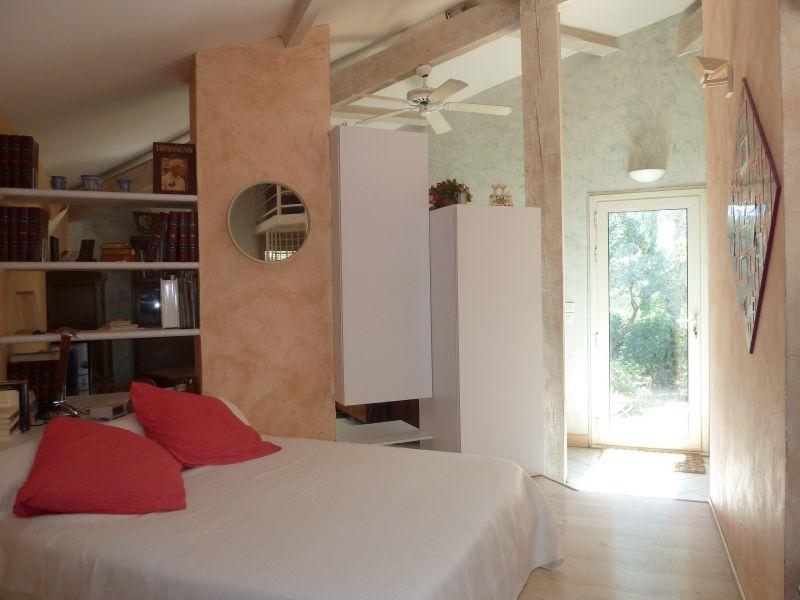 chambre 1 Location Villa 112551 Nîmes