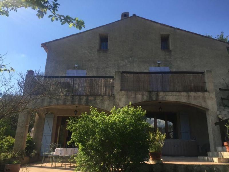 Vue extérieure de la location Location Appartement 119417 Saint Maximin la Sainte Baume