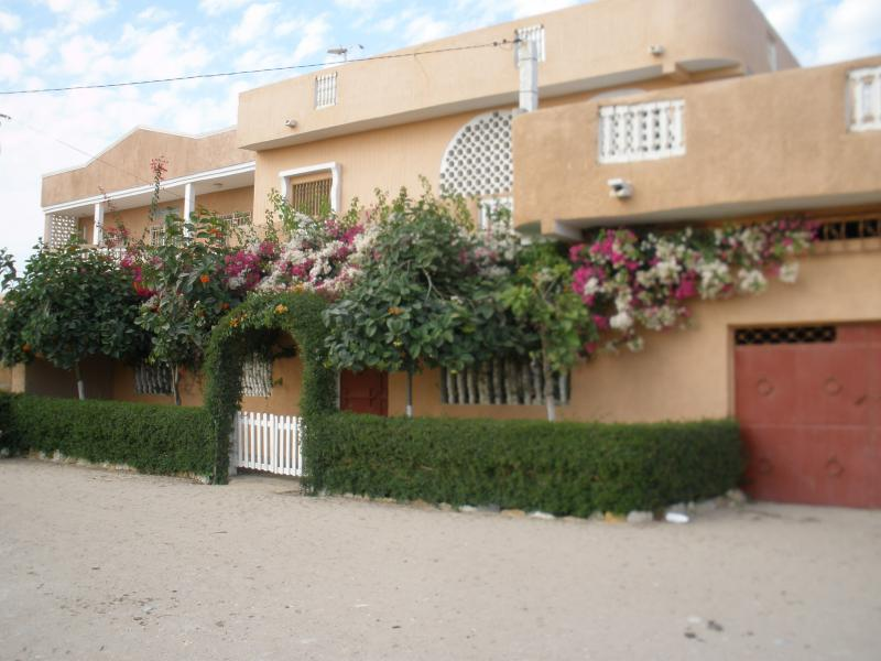 Vue extérieure de la location Location Villa 68147 Toubab Dialaw