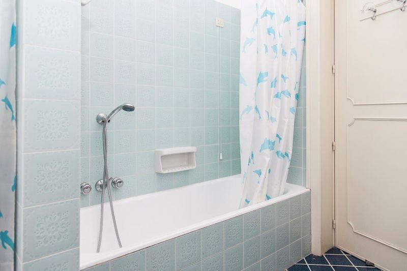 salle de bain 1 Location Appartement 69201 Santa Maria al Bagno