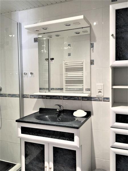 Salle d'eau Location Maison 76467 Loctudy