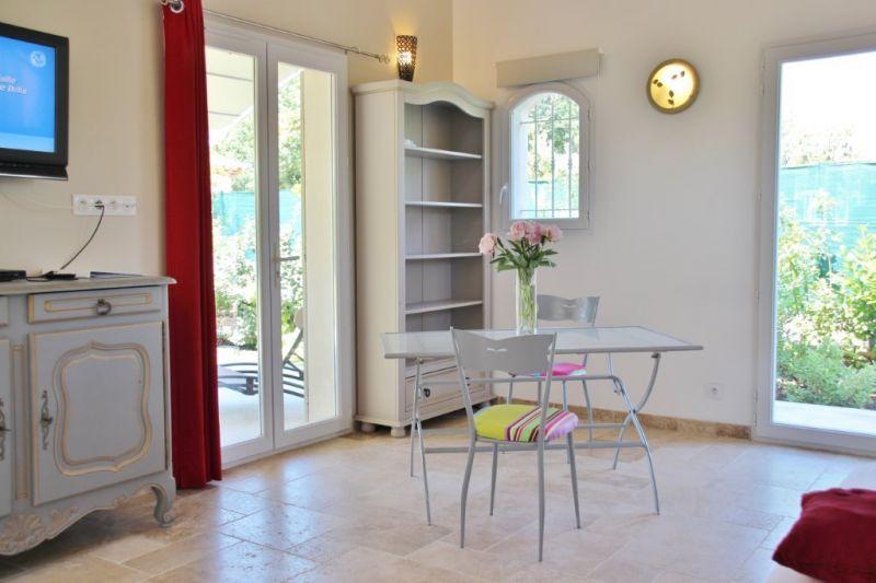Séjour Location Villa 79816 Hyères