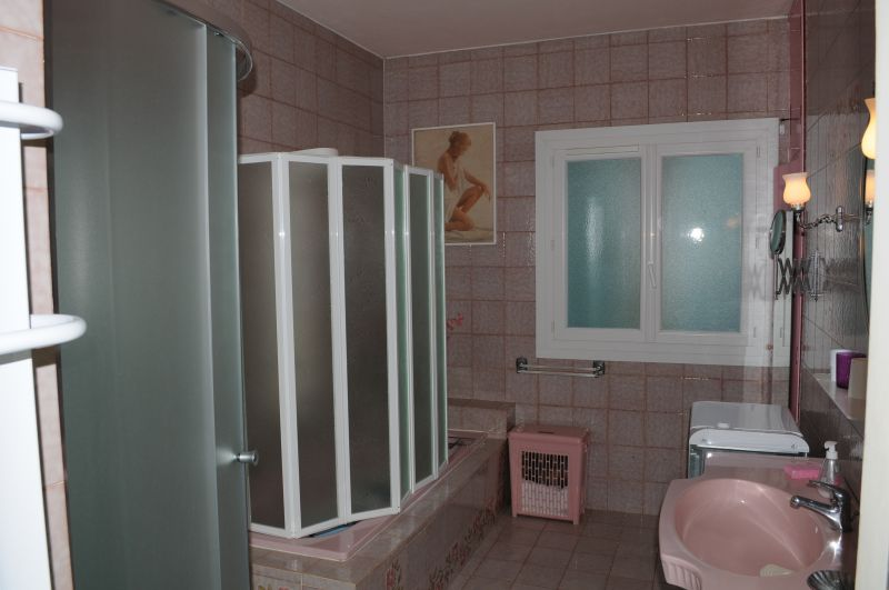 salle de bain Location Appartement 86202 Calvi