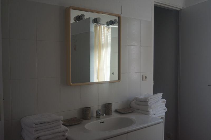 salle de bain 2 Location Villa 102539 Saint Francois