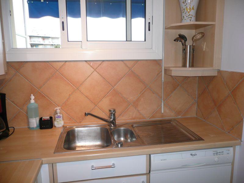 Cuisine indépendante Location Appartement 105595 Antibes