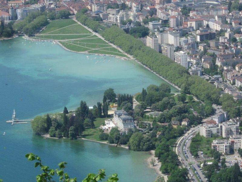 Vue à proximité Location Appartement 106034 Annecy