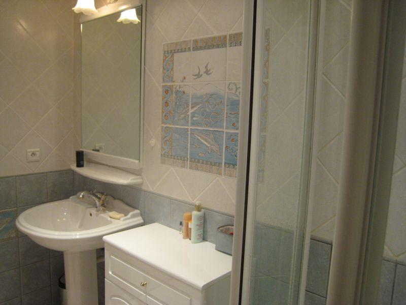 salle de bain Location Appartement 109376 Juan les Pins