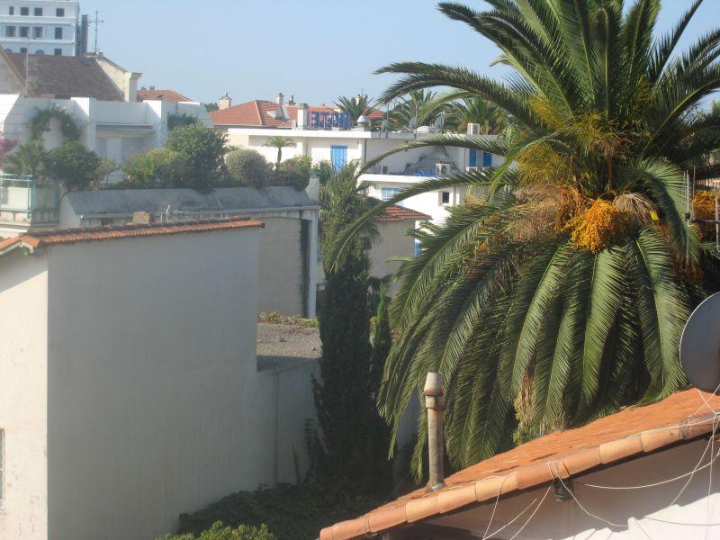 Vue du balcon Location Appartement 109376 Juan les Pins