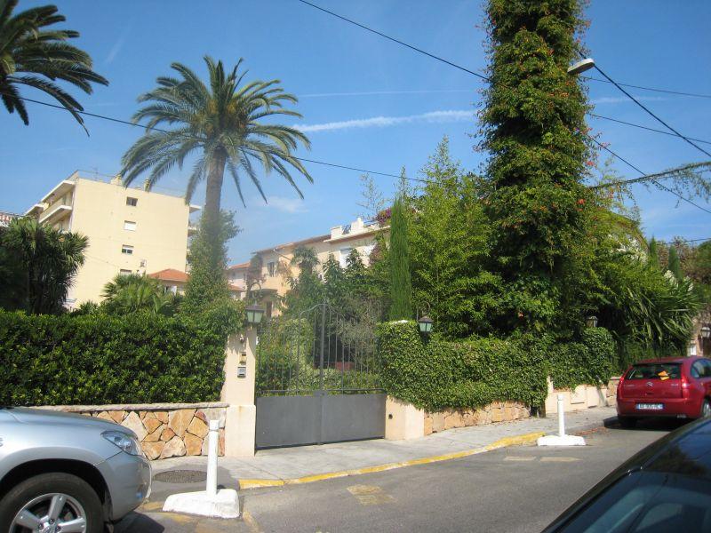 Vue à proximité Location Appartement 109376 Juan les Pins