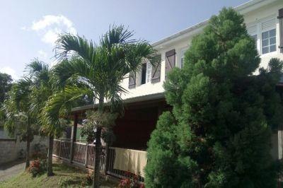 Vue extérieure de la location Location Appartement 111096 Rivière Salée