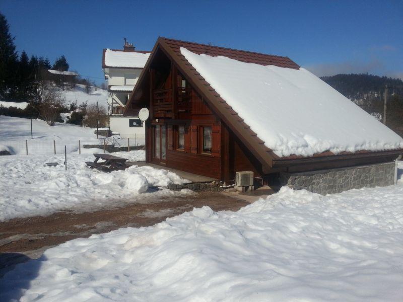 Vue extérieure de la location Location Chalet 111818 Gérardmer