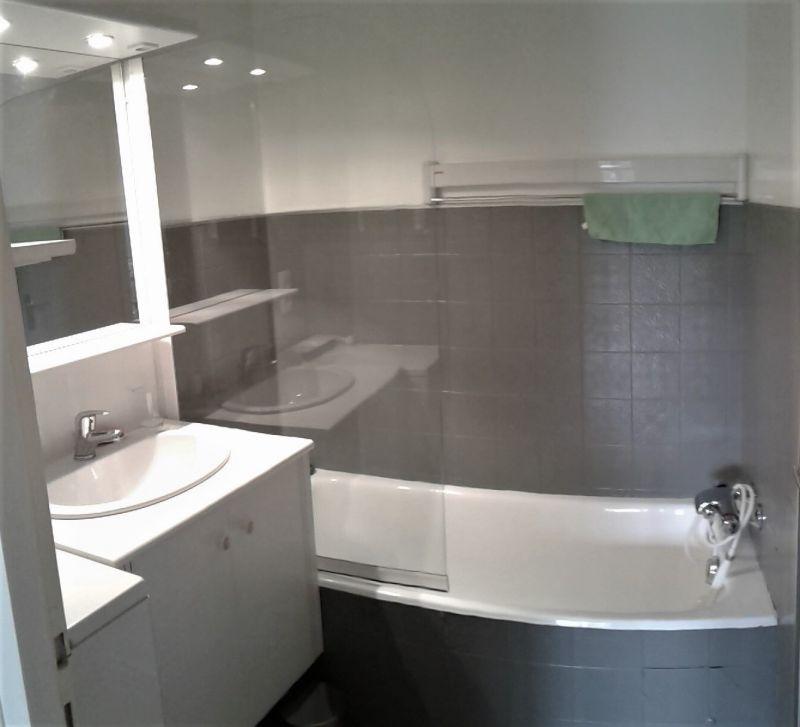 salle de bain Location Appartement 114978 Le Grand Bornand