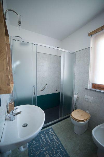 Salle d'eau Location Appartement 115958 Saint Pierre