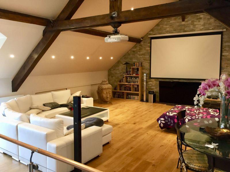 Salle vidéo Location Villa 117375 Annecy