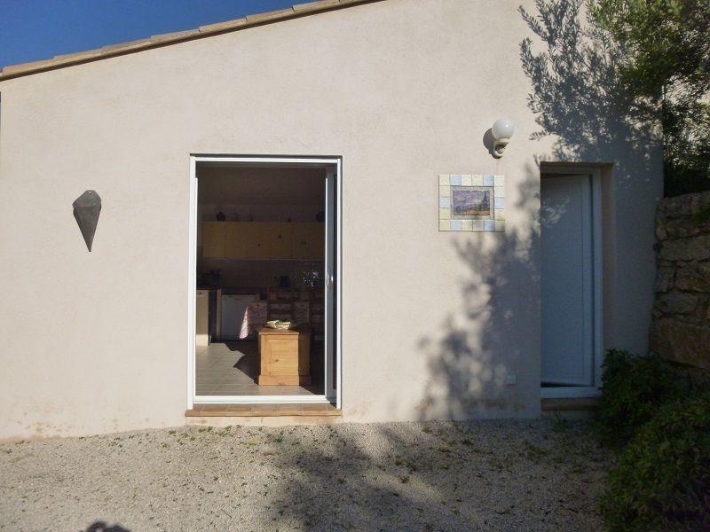 Vue extérieure de la location Location Villa 119782 Bandol