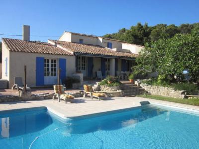 Vue ext�rieure de la location Location Villa 80278 Marseille